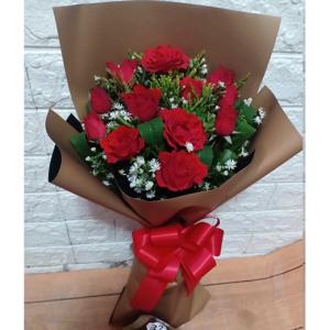 One Dozen Rose in Bouquet
